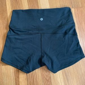 Lululemon in Movement Short Everlux Evergreen